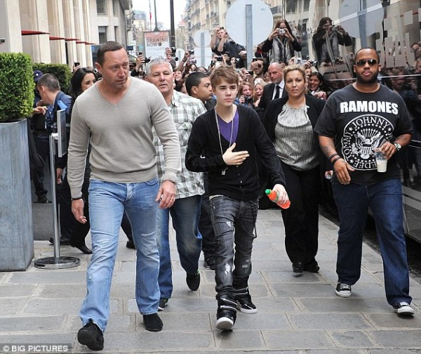 Justin Bieber a Parigi 2