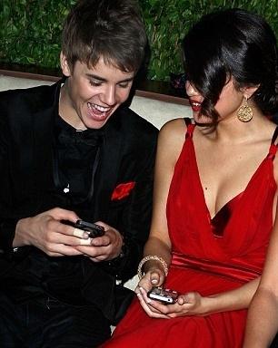 Justin Bieber e Selena Gomez al party degli Oscar 2