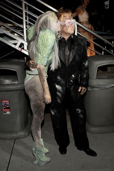 Lady Gaga Grammy 2010 4