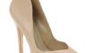 Le scarpe di cui una donna non può fare a meno 6