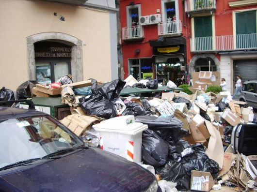 Napoli, rifiuti 2