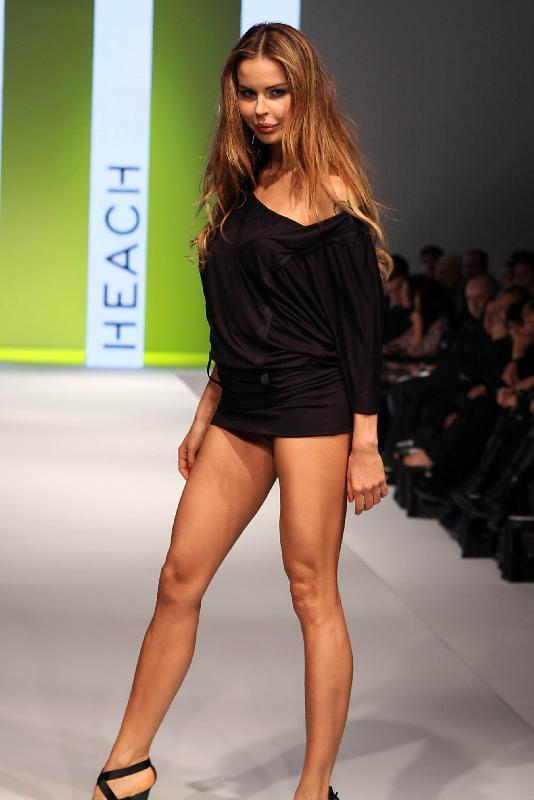 Nina Moric 16