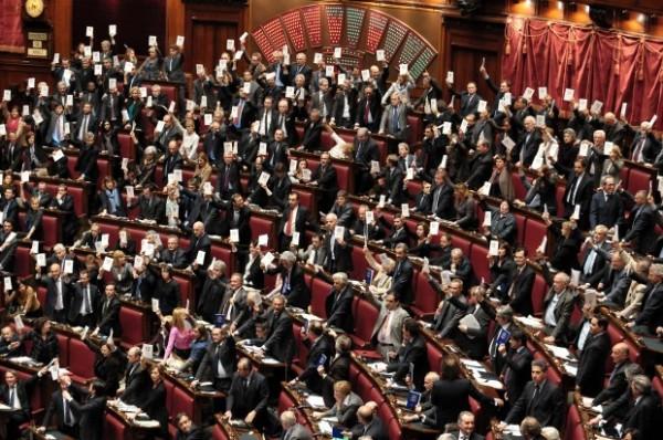 Processo Breve, votazione e protesta 2