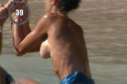 Raffaella Fico a seno nudo 2