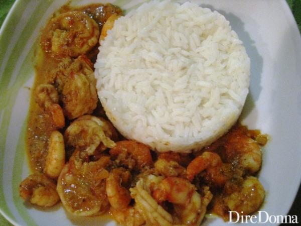 Gamberi al curry con riso basmati