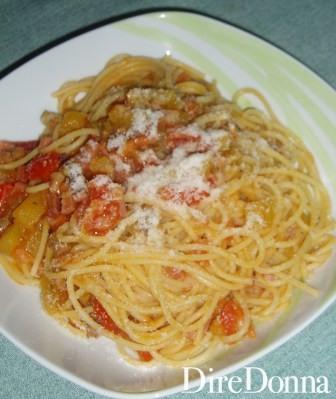 Spaghetti Speck e Salsiccia impiattati