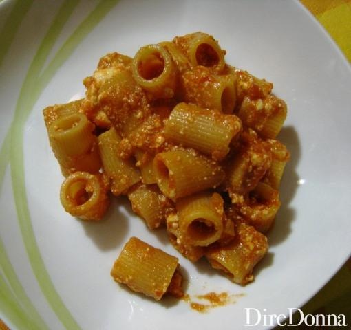 Pasta con Ricotta Rossa