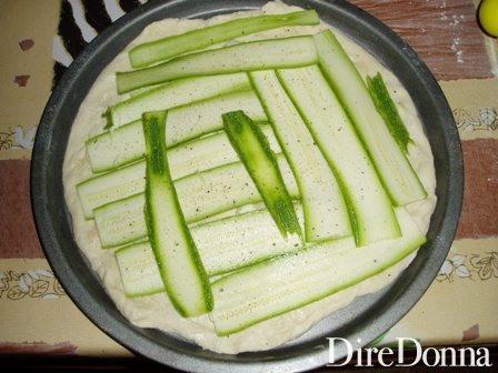 Pizza base bianca con le zucchine
