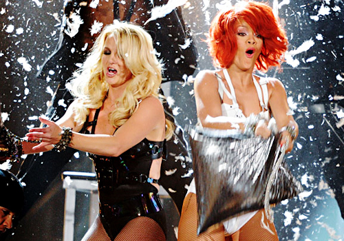 Rihanna e Britney Spears ai Billboard Music Awards 2011 2