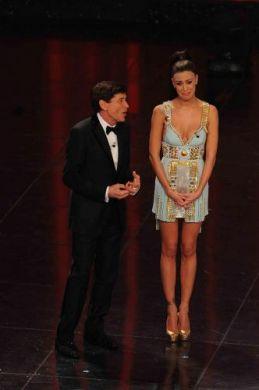 Sanremo 2011, quarta serata - abiti di Belen Rodriguez e Elisabetta Canalis 2