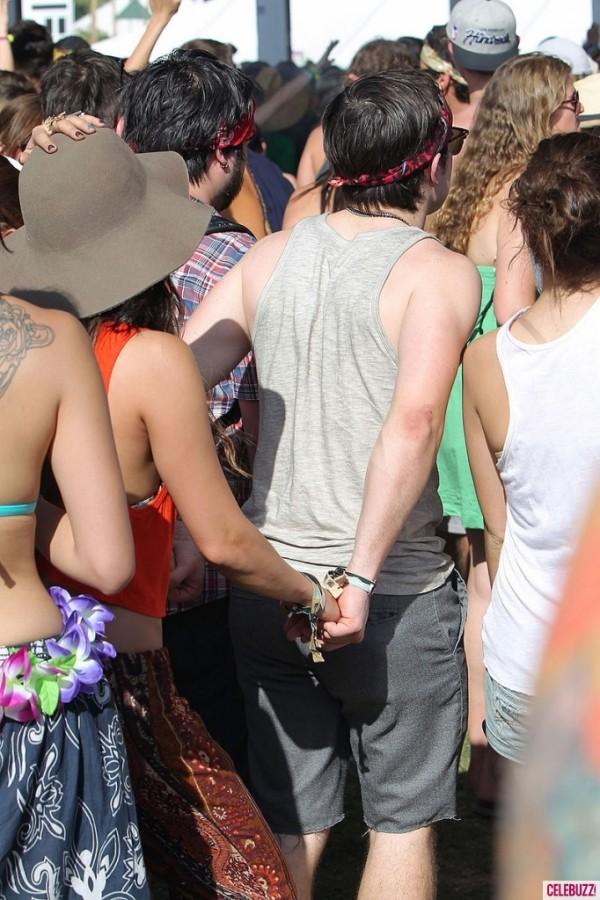 Vanessa Hudgens hippie al Coachella 2